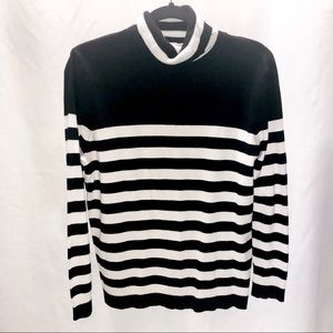 Joseph A black and white turtleneck sweater size L